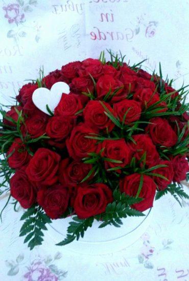 Bordowy Flower z 50 Różami