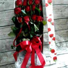 Tuzin Czerwonych Roż w Pudełku